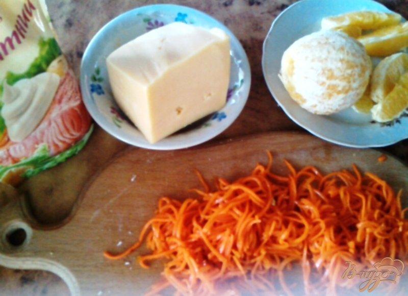 Фото приготовление рецепта: Салат «Шаловливый цыплёнок» шаг №2