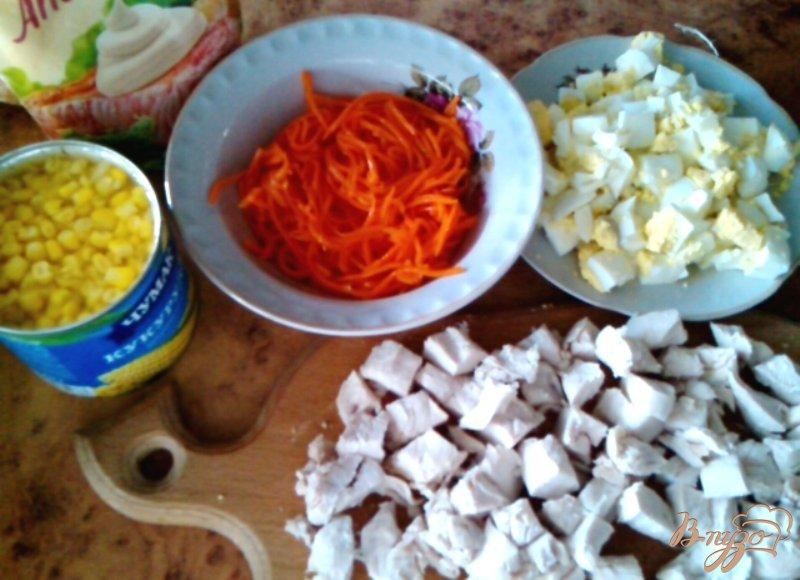 Фото приготовление рецепта: Салат «Шаловливый цыплёнок» шаг №1