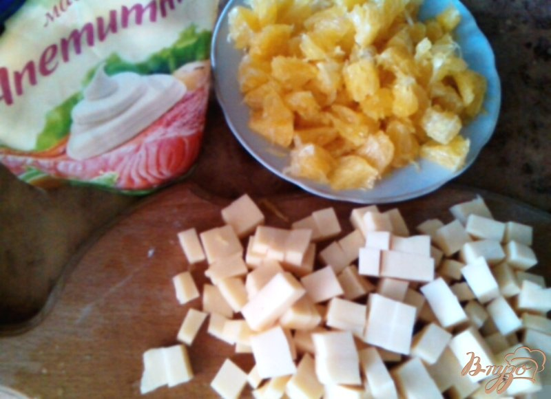 Фото приготовление рецепта: Салат «Шаловливый цыплёнок» шаг №3