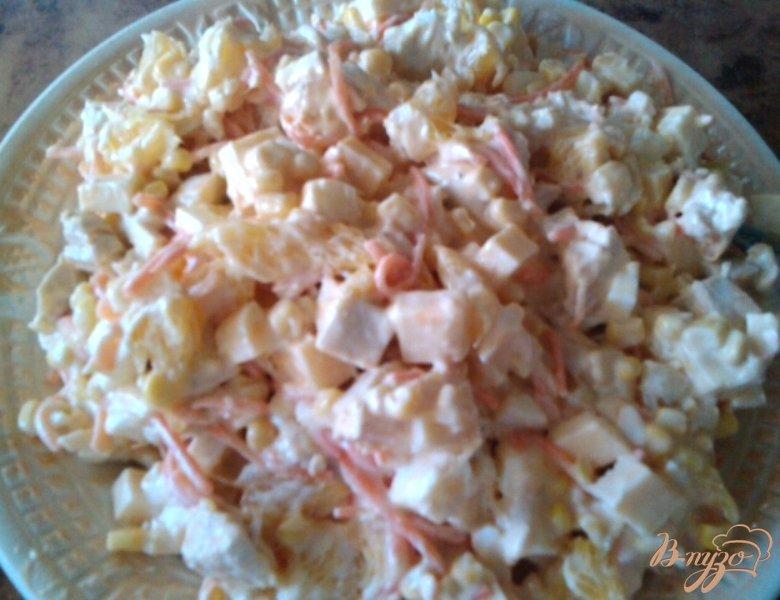 Фото приготовление рецепта: Салат «Шаловливый цыплёнок» шаг №5