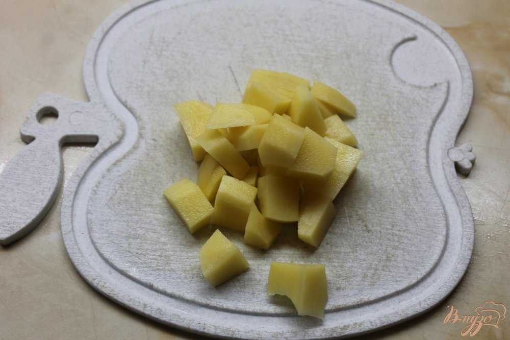 Фото приготовление рецепта: Шпинатный суп с фрикадельками шаг №2