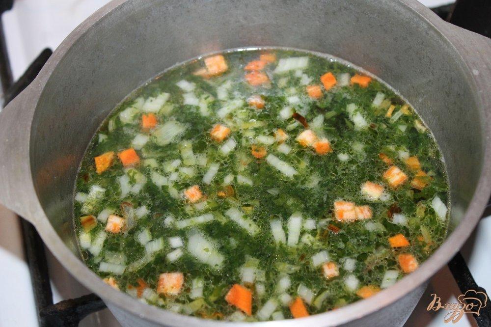 Фото приготовление рецепта: Шпинатный суп с фрикадельками шаг №6
