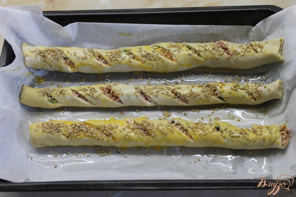 Фото приготовление рецепта: Соленая трубочка с кунжутом шаг №6