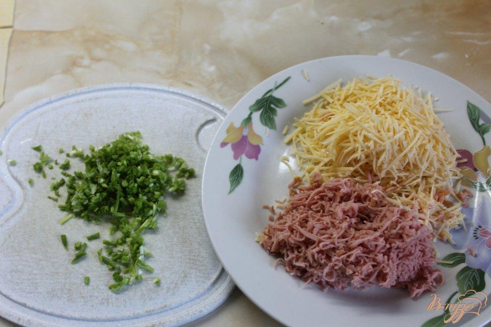Фото приготовление рецепта: Соленая трубочка с кунжутом шаг №3