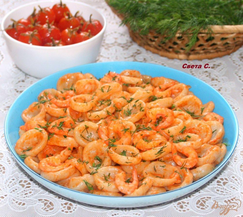 Фото приготовление рецепта: Домашняя паста орекьетте в томатном соусе с креветками шаг №14
