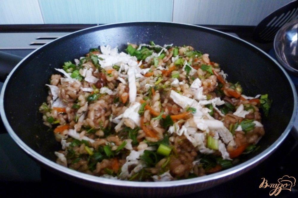 Фото приготовление рецепта: Овощные спринг-роллы  и грибами и рисом шаг №3