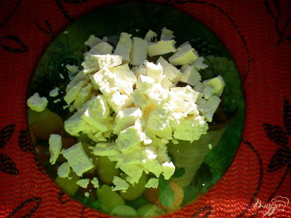 Фото приготовление рецепта: Пирог с сыром фета в мультиварке шаг №2