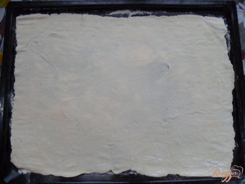 Фото приготовление рецепта: Пицца на слоенном тесте шаг №1