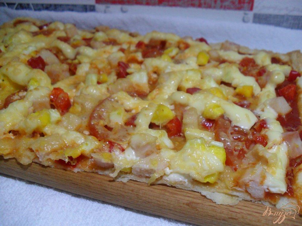 Фото приготовление рецепта: Пицца на слоенном тесте шаг №9