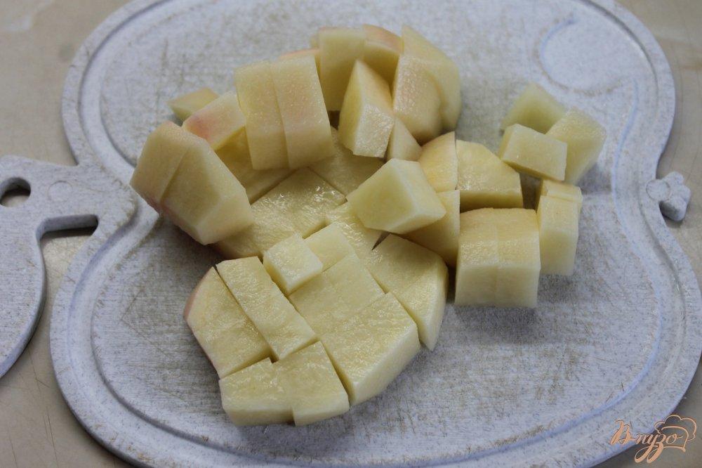 Фото приготовление рецепта: Борщ с фрикадельками и фасолью шаг №3