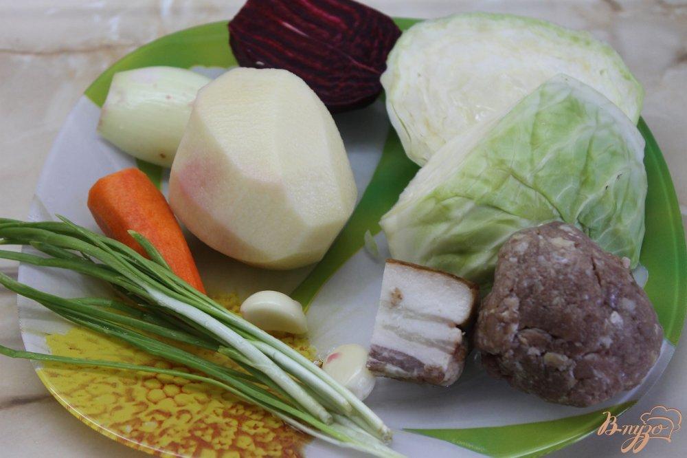 Фото приготовление рецепта: Борщ с фрикадельками и фасолью шаг №2