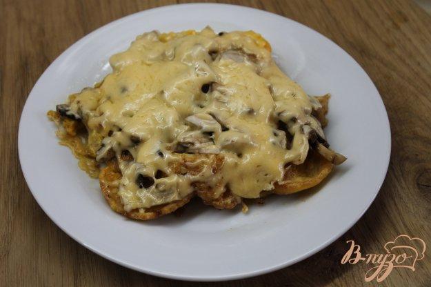 фото рецепта: Куриная отбивная в сырной панировке с грибами
