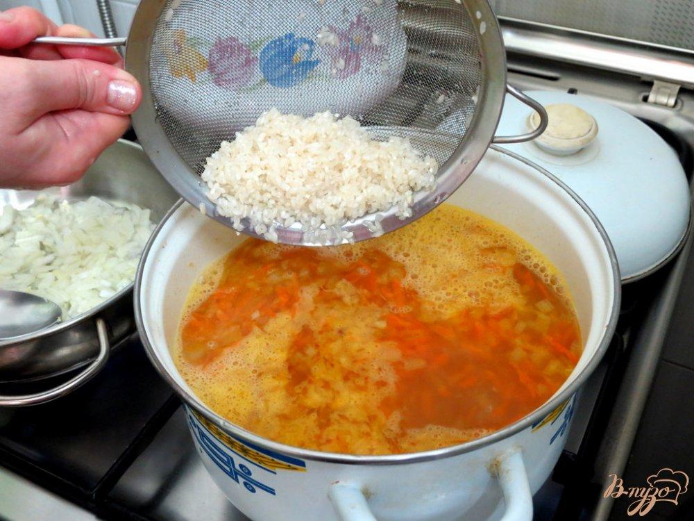 Фото приготовление рецепта: Томатный суп с рисом шаг №6