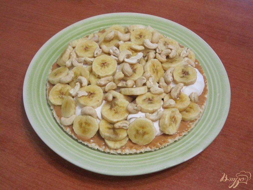 Фото приготовление рецепта: Торт с зефиром и бананами шаг №6