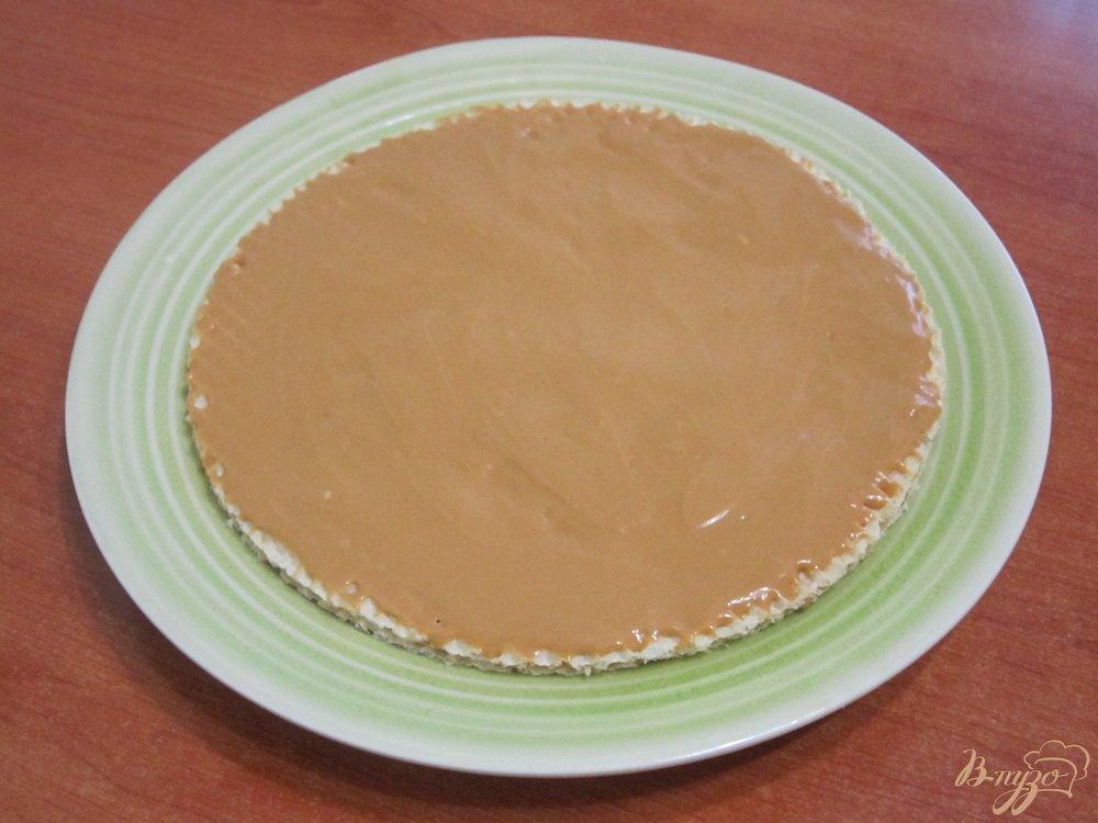 Фото приготовление рецепта: Торт с зефиром и бананами шаг №5