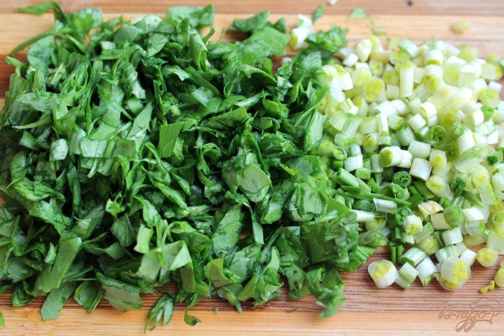 Фото приготовление рецепта: Микс салат с бужениной и сыром шаг №2