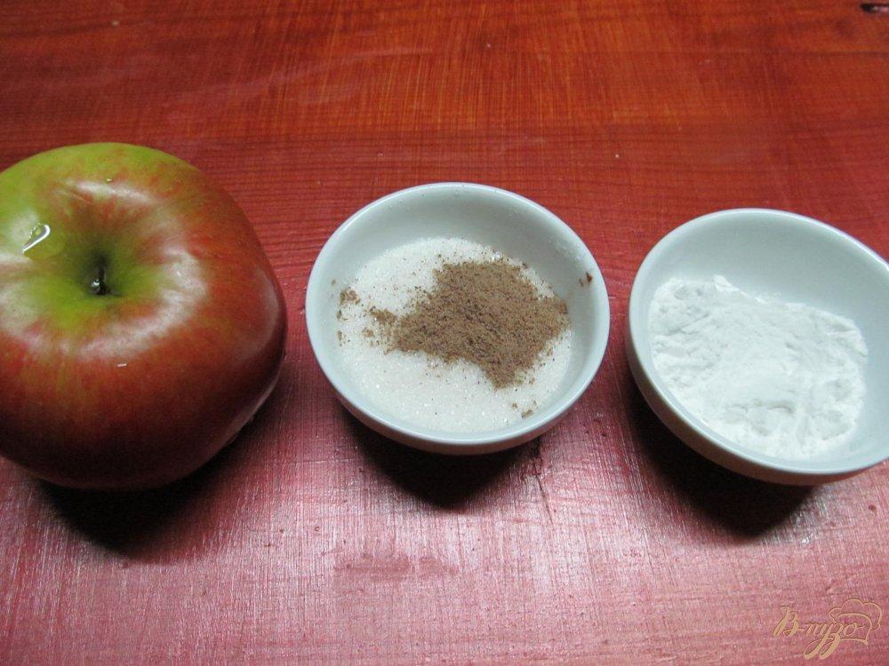 Фото приготовление рецепта: Яблочный пирог шаг №5