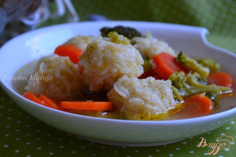 Фото приготовление рецепта: Овощной суп с рисовыми шариками шаг №6
