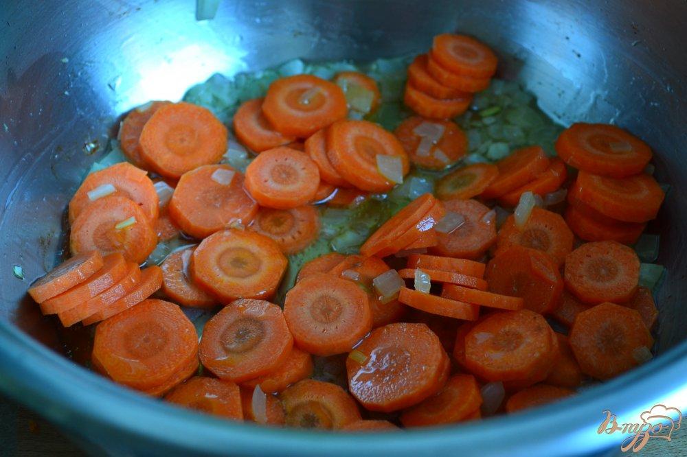Фото приготовление рецепта: Овощной суп с рисовыми шариками шаг №1