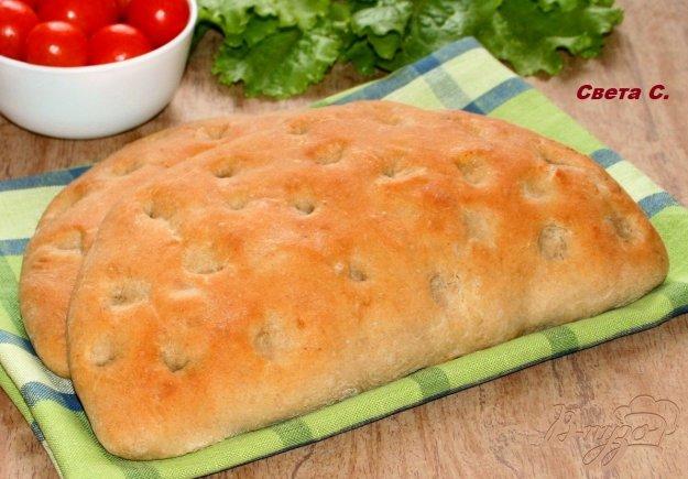 фото рецепта: Фокачча из трех видов муки с ветчиной сыром и помидорами