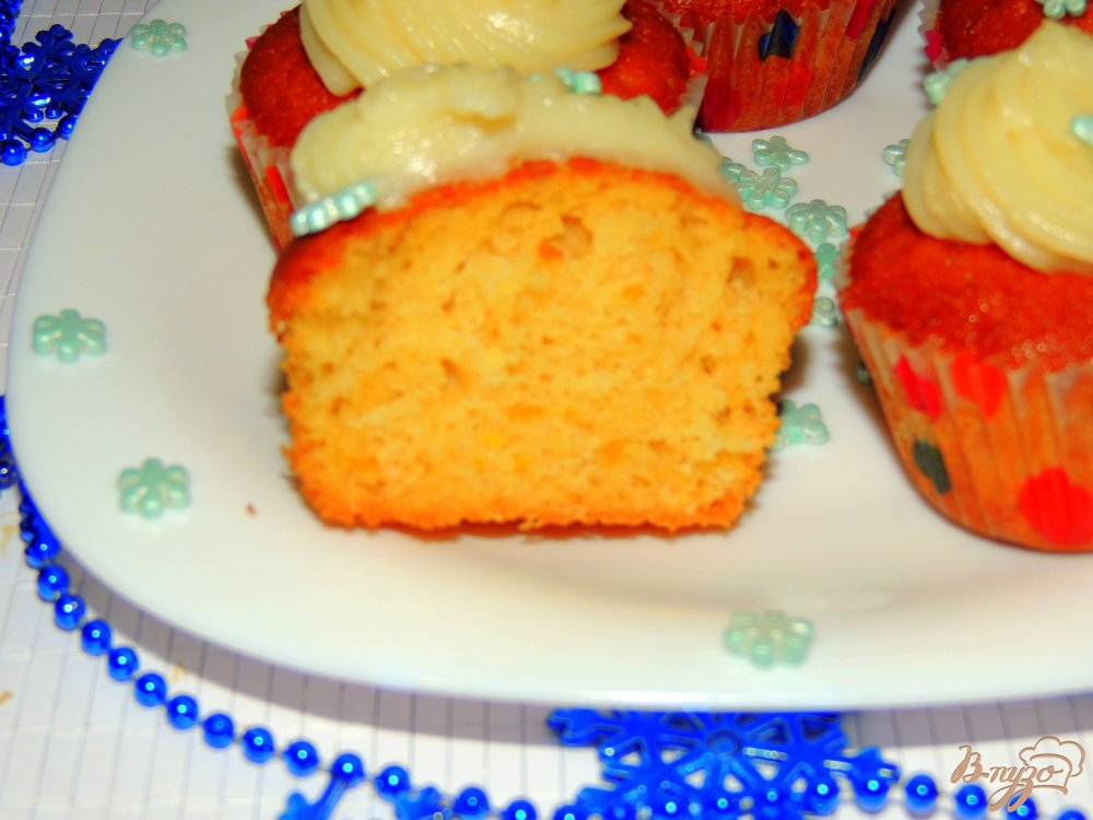 Фото приготовление рецепта: Апельсиновые кексы шаг №8