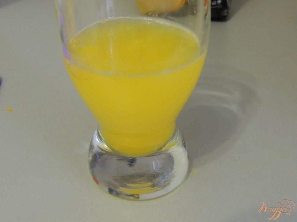 Фото приготовление рецепта: Апельсиновые кексы шаг №2