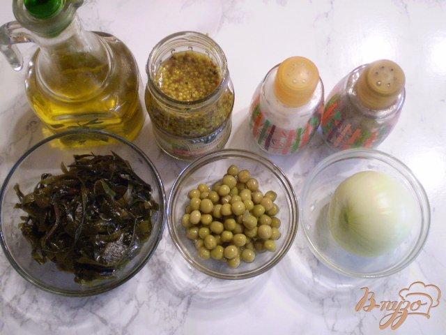 Фото приготовление рецепта: Салат из ламинарии с горошком шаг №1