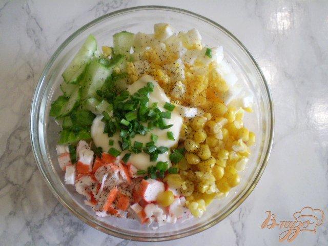 Фото приготовление рецепта: Салат крабовый шаг №5