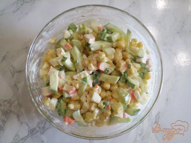 Фото приготовление рецепта: Салат крабовый шаг №6