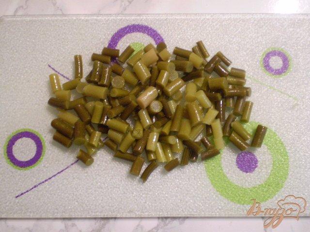 Фото приготовление рецепта: Салат со стрелками чесока шаг №2