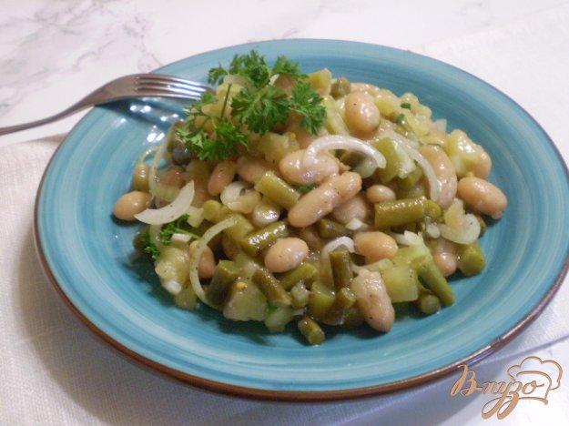фото рецепта: Салат со стрелками чесока