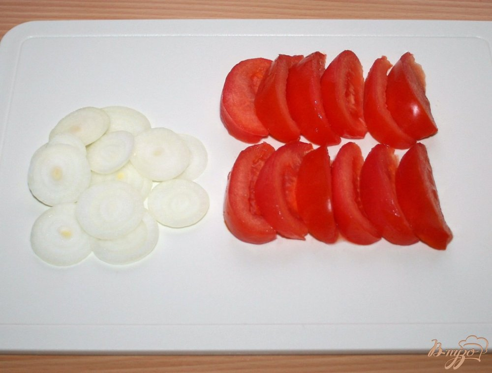 Фото приготовление рецепта: Салат с запеченным лососем в кунжутной панировке шаг №5