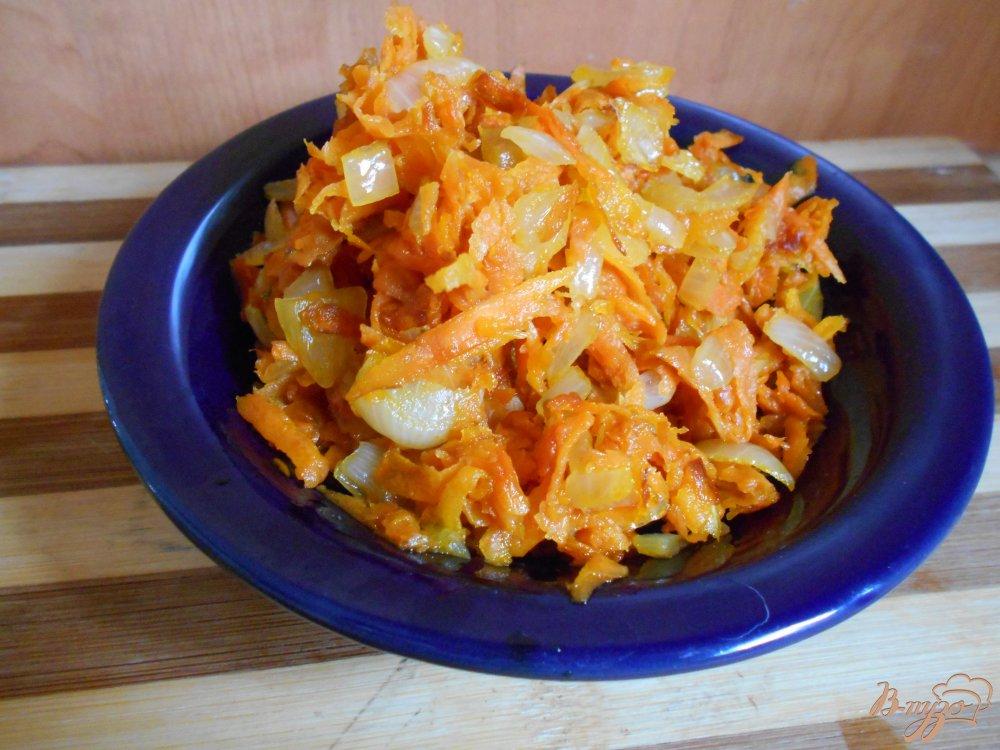 Фото приготовление рецепта: Салат из куриной печени с зеленым горошком шаг №2