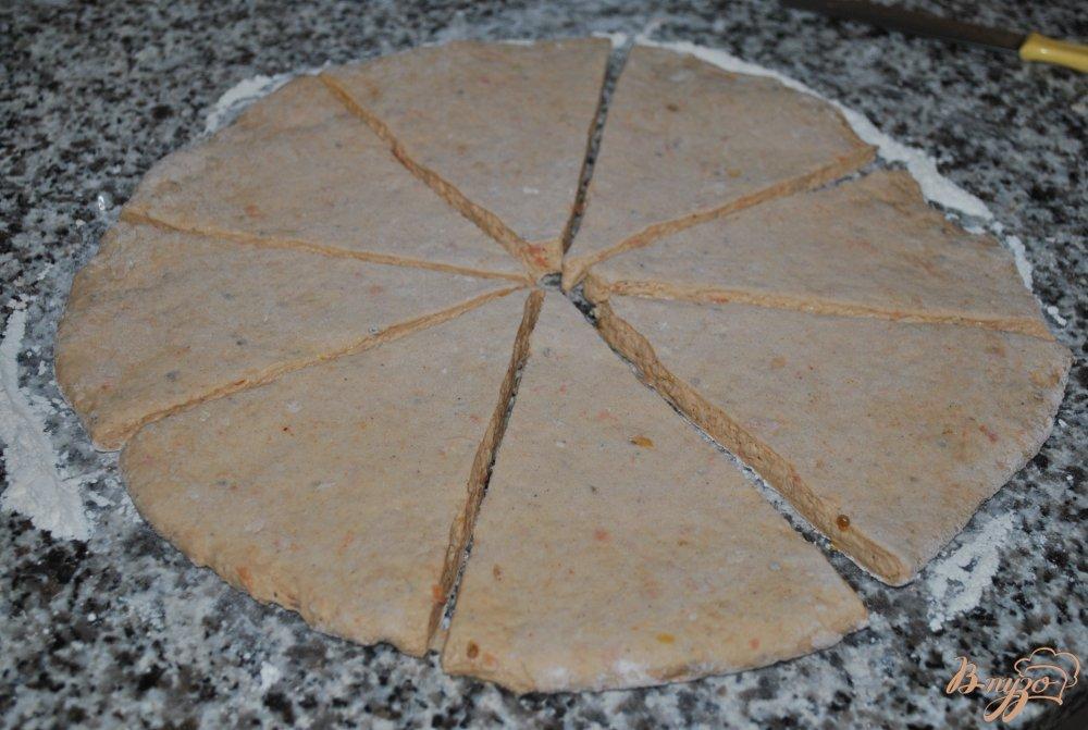 Фото приготовление рецепта: Содовый хлеб из томатов шаг №7