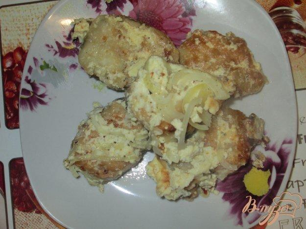 фото рецепта: Хек с луком в сметанном соусе