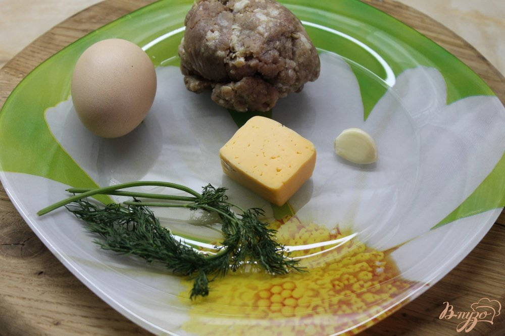 Фото приготовление рецепта: Котлета с яйцом и сыром шаг №1