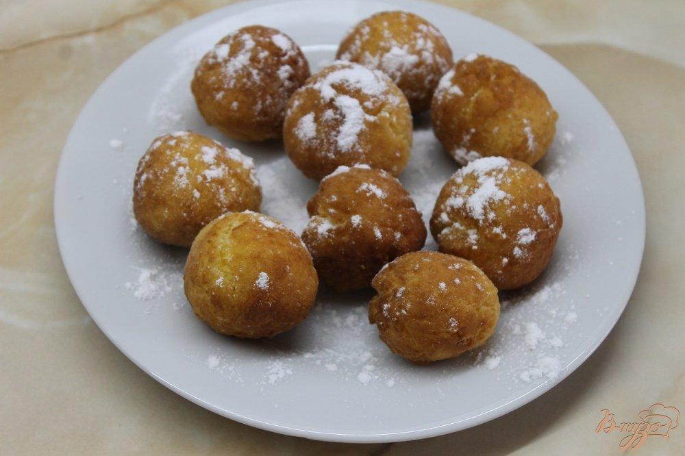 Фото приготовление рецепта: Пончики с плавленным сыром шаг №8