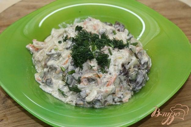 фото рецепта: Куриные потроха тушенные с овощами в сметанном соусе