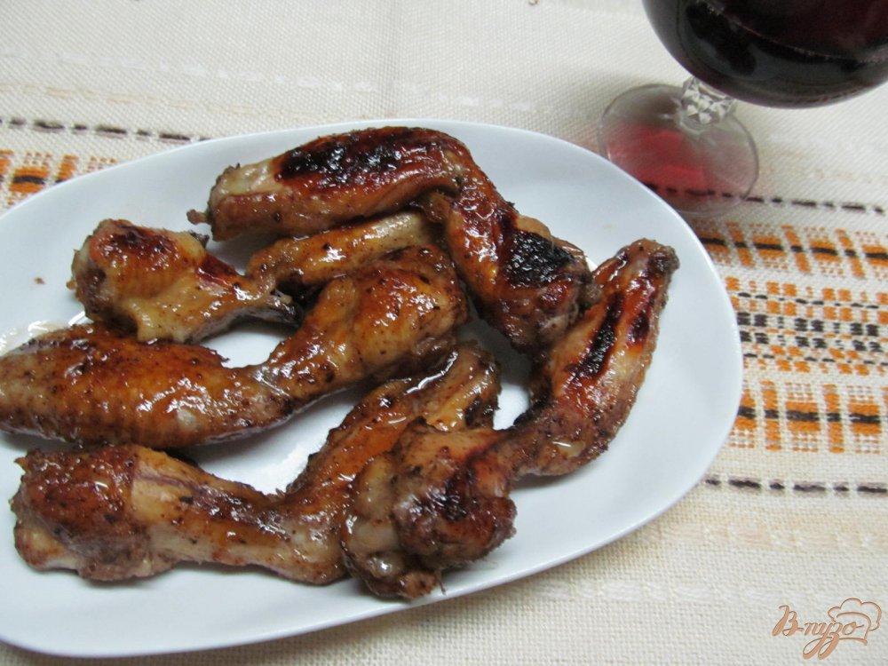 Фото приготовление рецепта: Куриные крылья в медовом соусе шаг №7