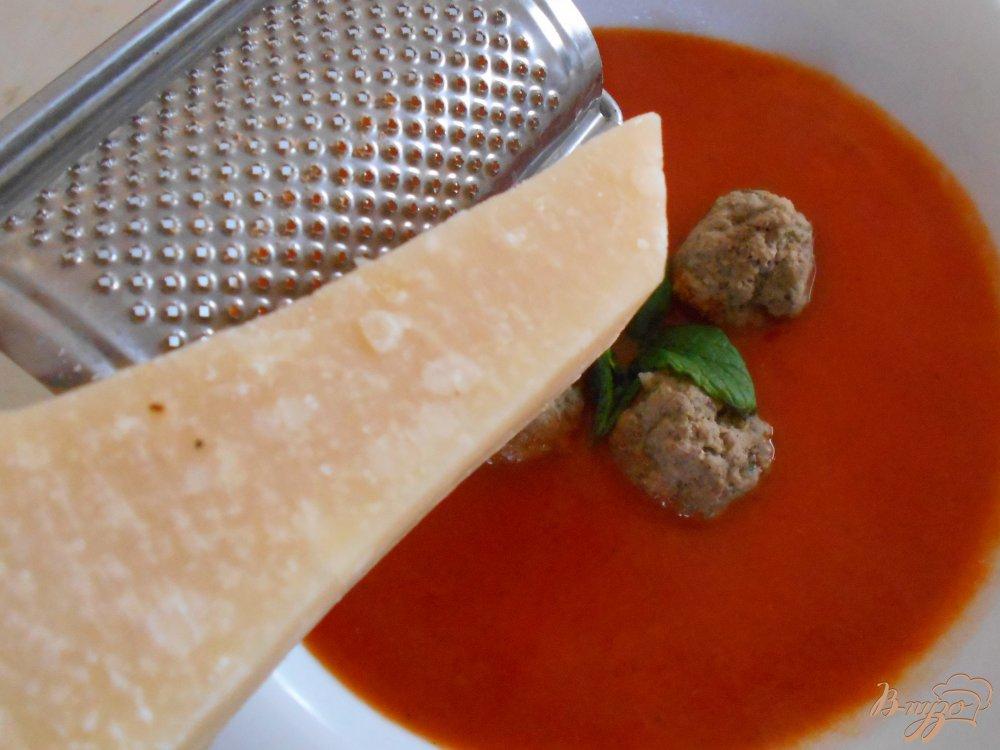 Фото приготовление рецепта: Томатный суп-пюре по- средиземноморски шаг №10