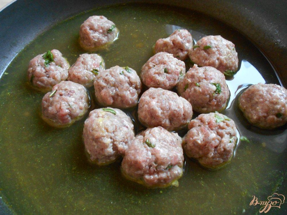 Фото приготовление рецепта: Томатный суп-пюре по- средиземноморски шаг №7
