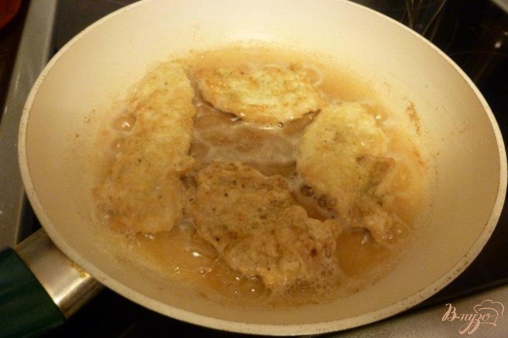 Фото приготовление рецепта: Отбивные из куриной грудки шаг №5