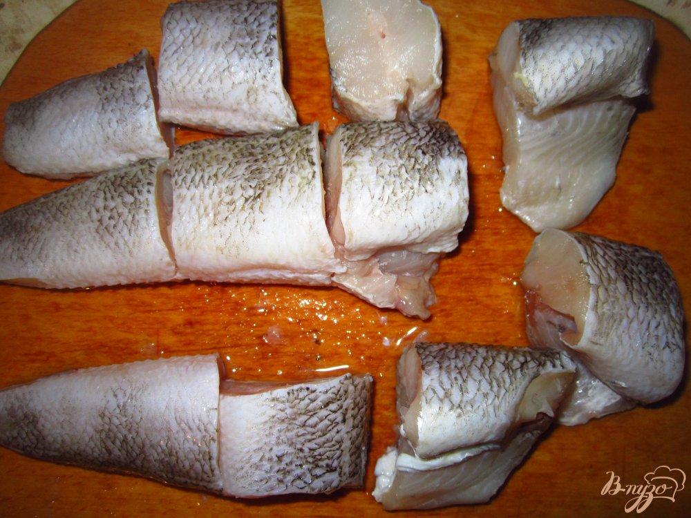 Фото приготовление рецепта: Нототения в тушенная с овощами в соусе шаг №1