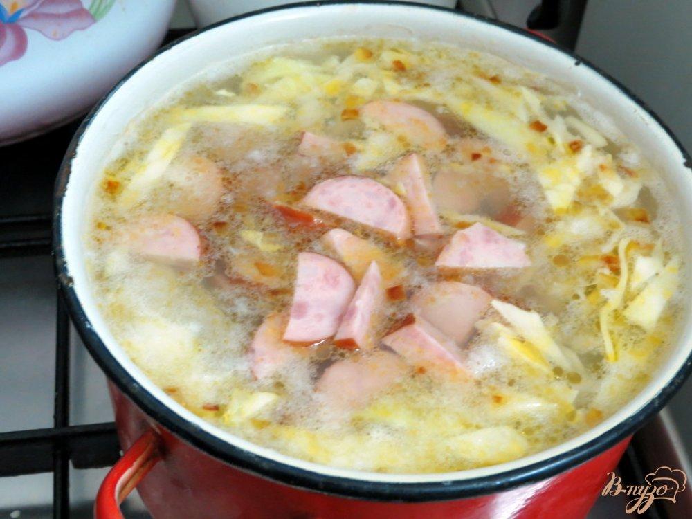 Фото приготовление рецепта: Крестьянский суп с домашними колбасками шаг №5