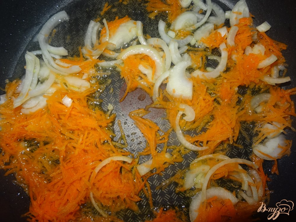 Фото приготовление рецепта: Филе хека в томатном соусе шаг №7
