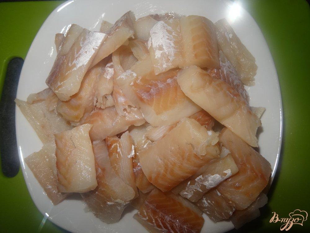 Фото приготовление рецепта: Филе хека в томатном соусе шаг №1