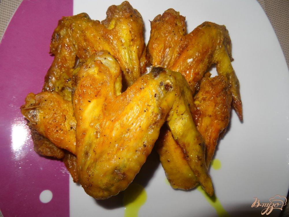 Фото приготовление рецепта: Куриные крылышки маринованные в майонезе шаг №6