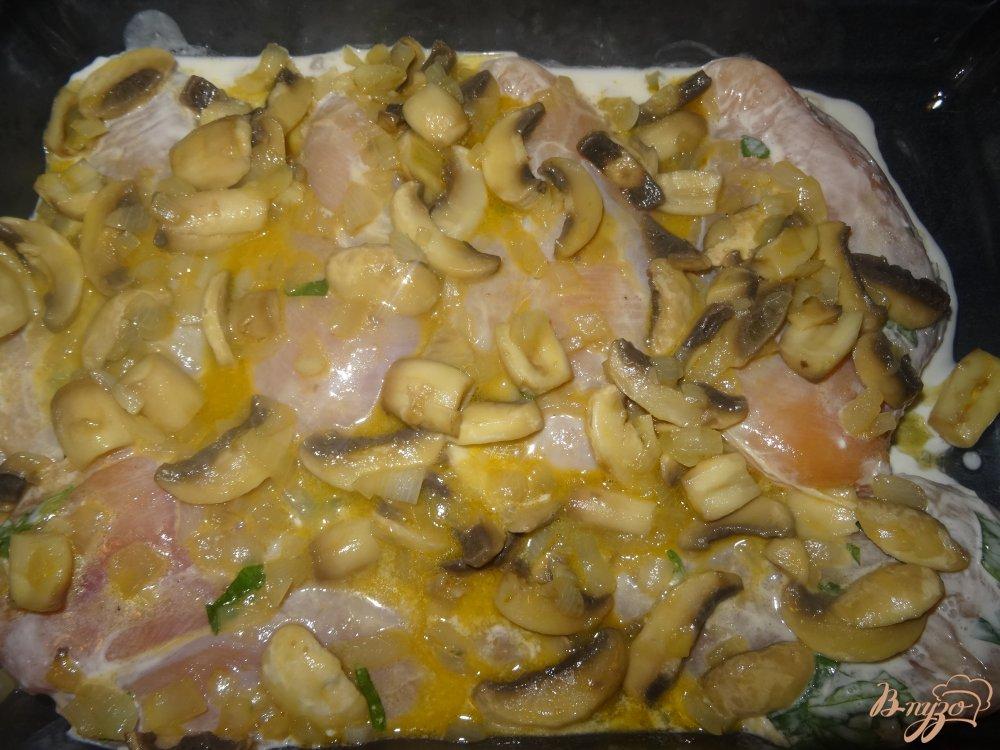 Фото приготовление рецепта: Куриная грудка в винном маринаде шаг №9