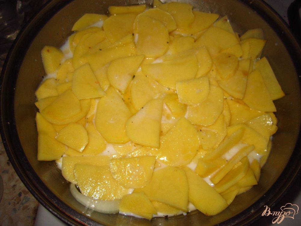 Фото приготовление рецепта: Картофель запеченный в молоке шаг №6