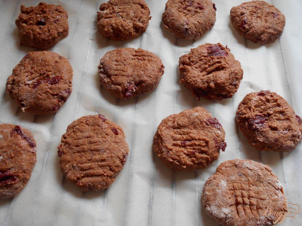 Фото приготовление рецепта: Постное печенье с кэробом шаг №6